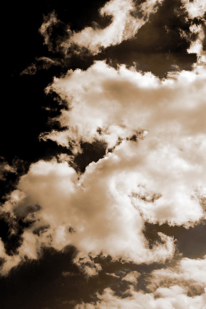 dar eu am vazut arzand la amiaza un nor